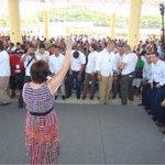 Pide @Rosario_Robles_ a los maestros oaxaqueños predicar con el ejemplo http://t.co/aDMzBcUKMR http://t.co/77VeGzxlsn