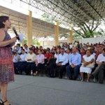 Acompañan @JuanCLastiri, @paula_hdz, @hectorpablo_; @gobrep, @SEDESOL_mx, @Prospera_MX, @Diconsa_MX, @liconsa #Oaxaca http://t.co/YRYstcbVgs