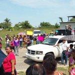 En Pinotepa Oaxaca maestros de la Secc 22 tratan de bloquear reuniones con mujeres #Prospera http://t.co/kYbIqqX6CS