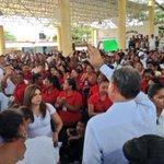 Agradecemos a #PinotepaNacional, hoy @gobrep y @GobOax trabajamos juntos por la educación y alimentación de #Oaxaca. http://t.co/PBzrK0AsKC