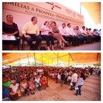 Los costeños le refrendaron al Presidente @EPN su apoyo en el rescate de la educación pública de Oaxaca. http://t.co/DGbWqdlusx