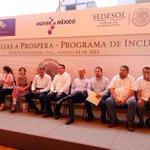 #ENVIVO Mensaje @Rosario_Robles transición de familias @Prospera_MX  Pto Escondido, #oaxaca http://t.co/h6frL0aMdA http://t.co/kx3UywH1El