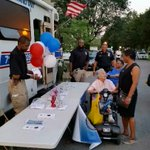 #NNO2015 @NYPD45Pct Commander Capt. Raia w/ #CCPD Capt. Keappock at #NationalNightOut #CoopCity http://t.co/Ss5lkYOaOK