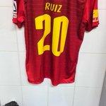 """La piel Roja de Carlos """"El Pescado"""" Ruiz http://t.co/bC5AThZ0Uu"""