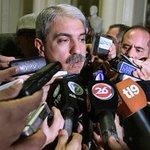 #Política | Ahora @FernandezAnibal acusa a @elisacarrio de ser agente de la @CIA http://t.co/L6rkdqqEP1 http://t.co/mJZd0fQZEK