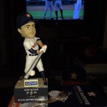 Altuve singles in the third for hit no. 121! #AltuveBobbleHit #Astros http://t.co/dshsS5O2LP