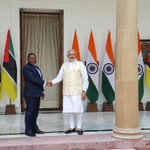 Welcoming a Special Friend from across the Indian Ocean. PM @narendramodi receives Mozambican Prez H.E. Filipe Nyusi http://t.co/an96462mBn