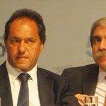 Por favor no le den RT a esta foto por que Scioli no quiere quedar pegado http://t.co/M7dpVKkvIA
