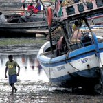 08:03   #LakeVictoriatragedy Tragedy as boats collide in Lake Victoria http://t.co/ew7kOlRF93  http://t.co/R90yc8h32D via @dailynation