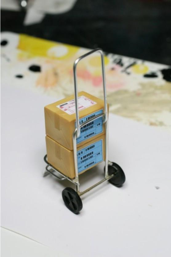 フィギュアサイズのカートを作ると、どんなフィギュアもサークル搬入に見えるソリューション http://t.co/AxTVk6DD5a