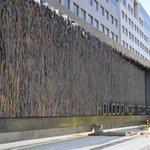 В центре Вашингтона установили памятник жертвам Голодомора. Детали: http://t.co/WGdxZJ2GzW #сша #голодомор #памятники http://t.co/iedi3zXhCy