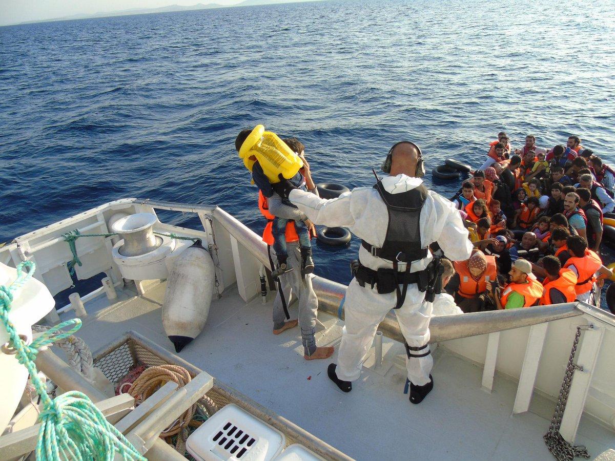 I natt reddet RS «Peter Henry von Koss» 26 barn og 88 voksne utenfor Lesvos i Hellas. http://t.co/Ksn4jnasi5 http://t.co/0COQi59Eep