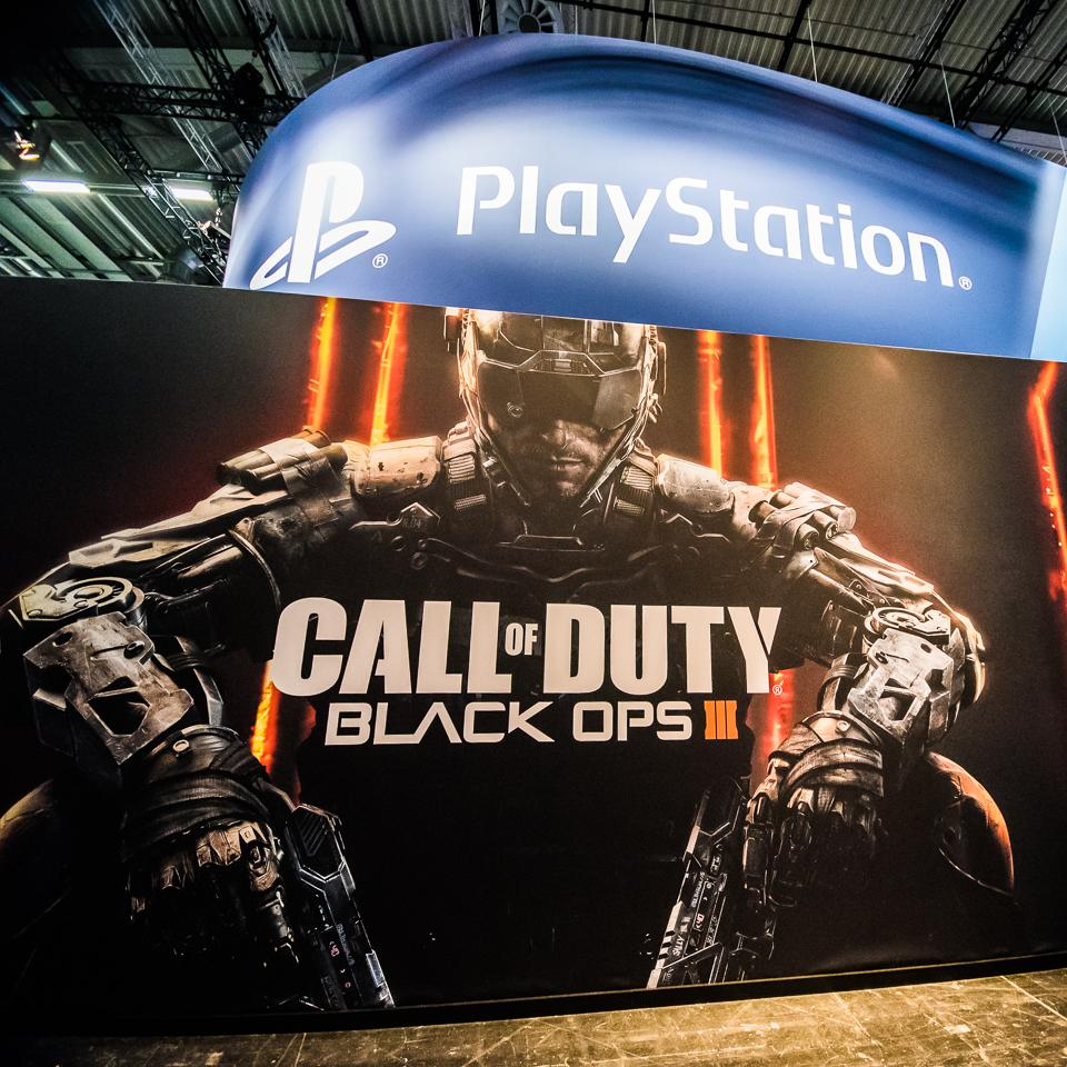 In Germany for #Gamescom15? Head to the @PlayStation booth in Hall 7 to play #BlackOps3 MP hands-on. #BO3Gamescom http://t.co/d0J4sJue6w