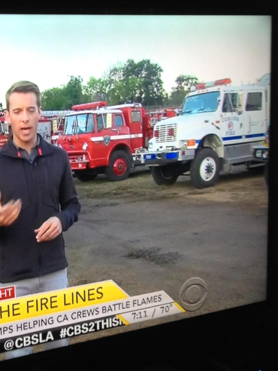 Corona Fire Truck on CBS National News fighting fires in NoCal.  Be safe boys. http://t.co/uVPAvyvMRt