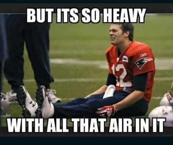 Rough time for #TomBrady at #Patriots training camp #NFLTrainingCamp #NFL http://t.co/AiVgMDYMaZ