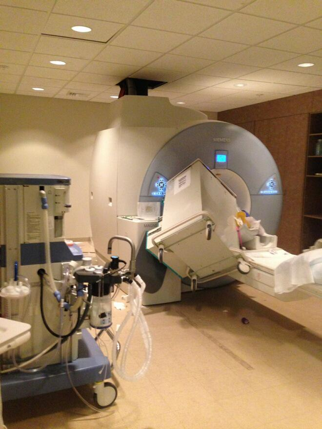 Pro-tip: at all times, remember that the M in MRI stands for 'magnetic'. http://t.co/9fWYIk6AK7