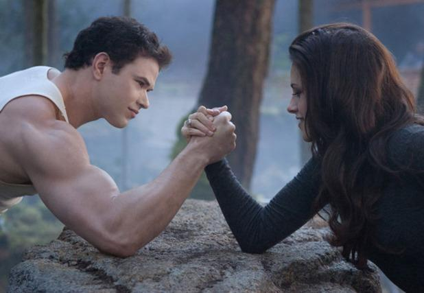 Throwback to the Twilight days...Who wants to arm wrestle??? #TBT #Throwback #Twilight http://t.co/gdHNWPIkNC