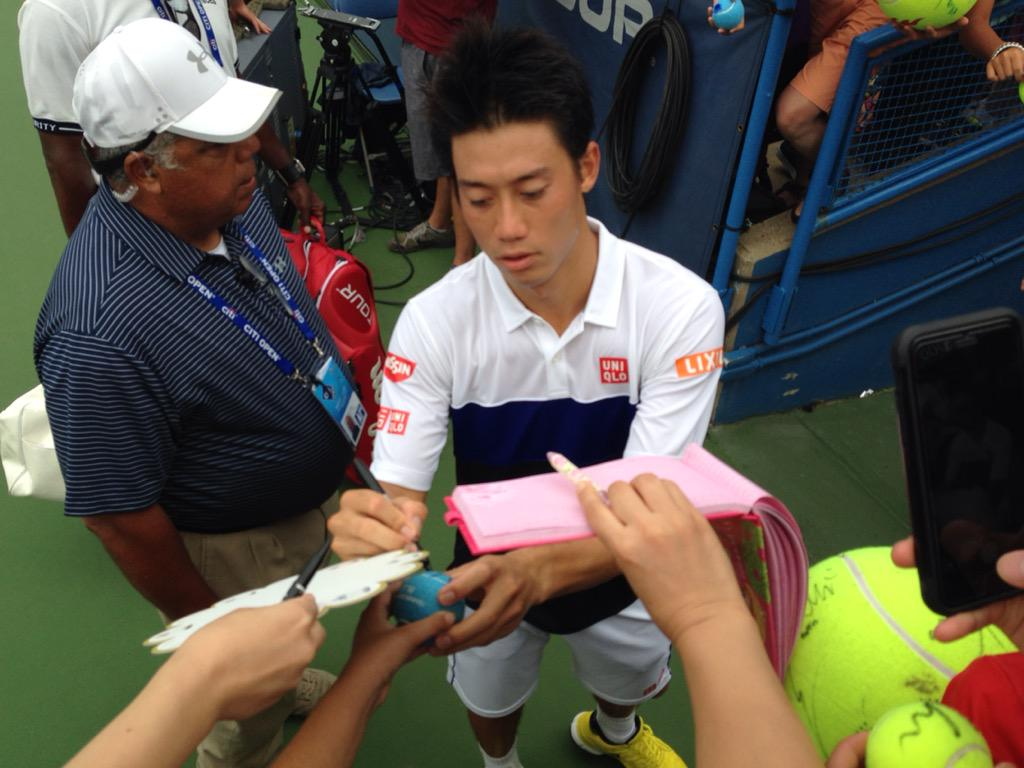 All cameras and all Sharpies point to @keinishikori after a win @CitiOpen! http://t.co/aH0b3iTwH5