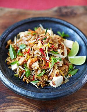 Happy Friday guys! #Recipeoftheday is one of my favourites.. Prawn & tofu pad Thai http://t.co/UsKhzlx2aQ http://t.co/V5yEag9NBr