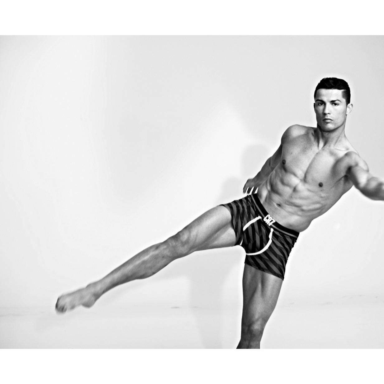 Exclusive image from my latest #CR7Underwear shoot! Love the new collection - check it out now http://t.co/RCLtRbCAT7 http://t.co/NcEAOxIknb