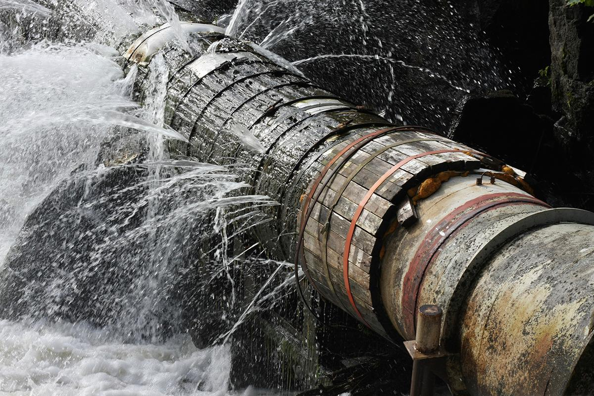 Even in #drought, America is leaking water http://t.co/uTdIAIajlU via @cnbc #infrastructure #txwater http://t.co/UcSV9c0qdB