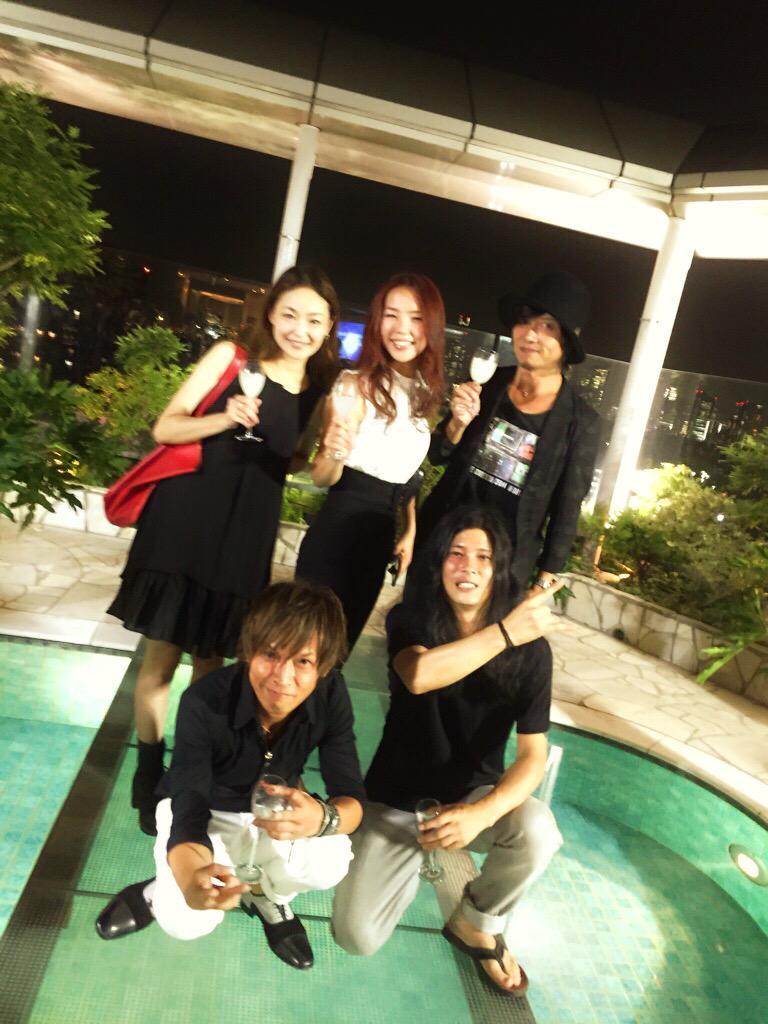昨日はINORANさんの新しいアルバムのリリースパーティーへ。BEAUTIFUL NOW!! http://t.co/RphhPGnHQC