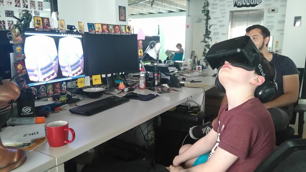 WORLD OF WARRIORS ON OCULUS RIFT! Not a bad way to spend an afternoon. @worldofwarriors #Studiotour #Gaming http://t.co/czZFhNgEgc