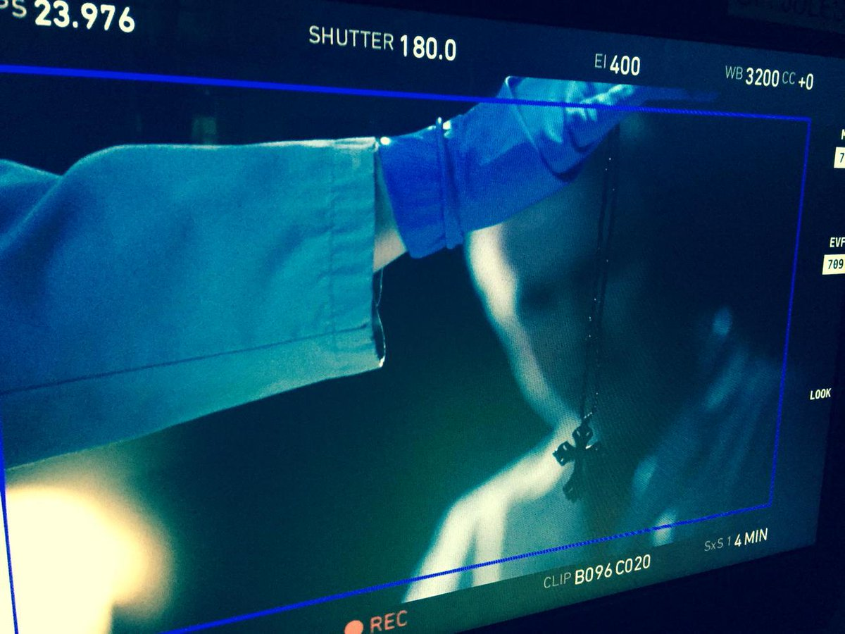 Twitter fans.  Today's the last day of shooting for our CSI finale. Let's retweet all the pictures I send today.  Ok? http://t.co/nBPKn3RbrZ