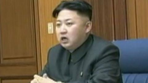 """[속보] 김정은 """"오늘 오후 5시 '전시상태' 전환"""" 지시 http://t.co/2sV2aY2iE3"""