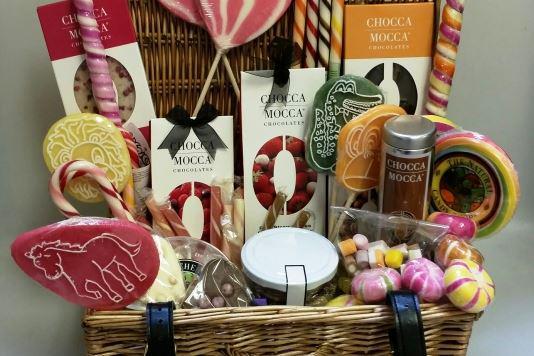 Win a hamper 'choc'-full of sweets and treats! Please RT. http://t.co/9f3ipdnweU http://t.co/7MlWF6mRZA
