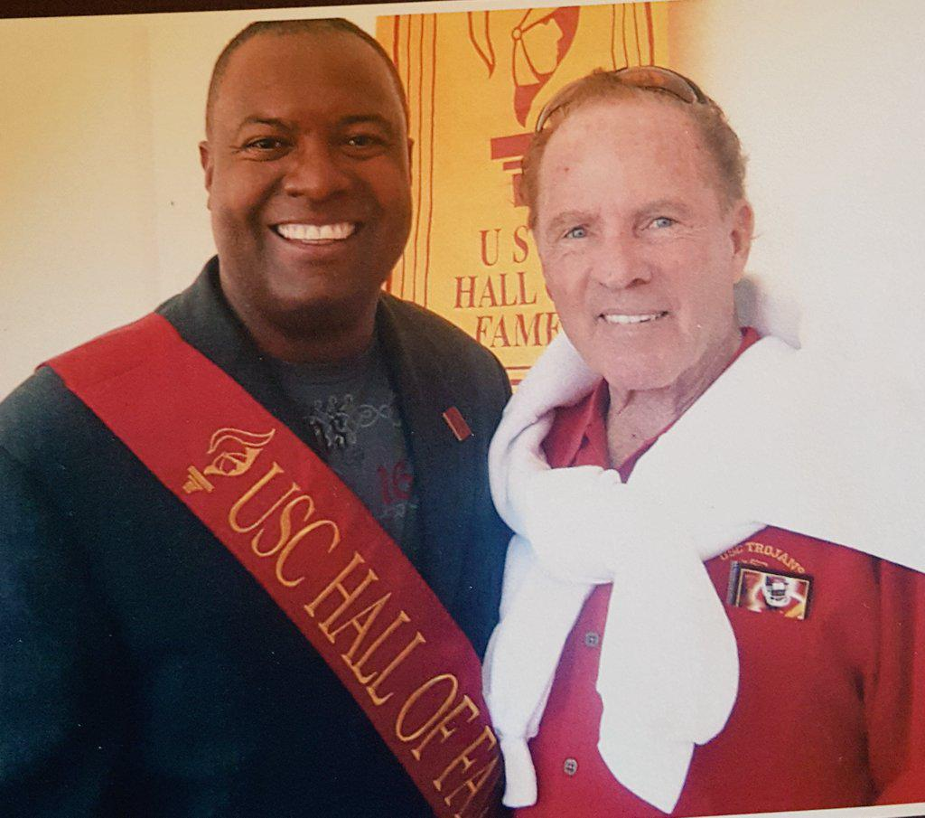 Rest in Peace to my friend and fellow Trojan Frank Gifford! #RIPFrankGifford http://t.co/W7FBBFEz1E