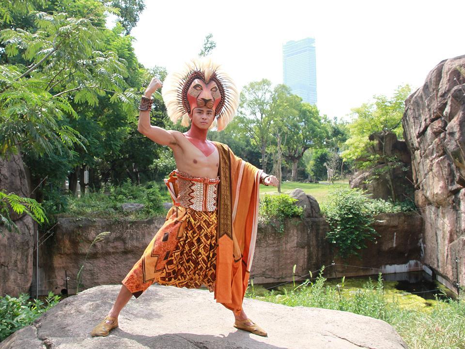 天王寺動物園に「ライオンキング」シンバ サプライズ登場で100周年祝う http://t.co/E6MxdhKKZQ http://t.co/WMWdpsY6IN