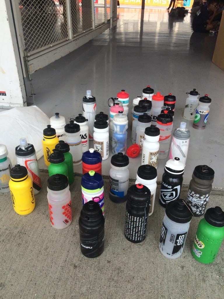 ボトルの忘れもの。46ピットにあります。 http://t.co/jo6uce5MnG