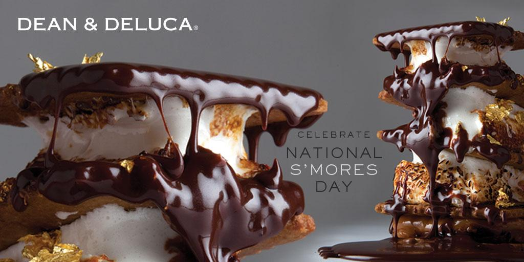 #NationalSmoresDay. We just can't get enough. http://t.co/fEaST68WBE
