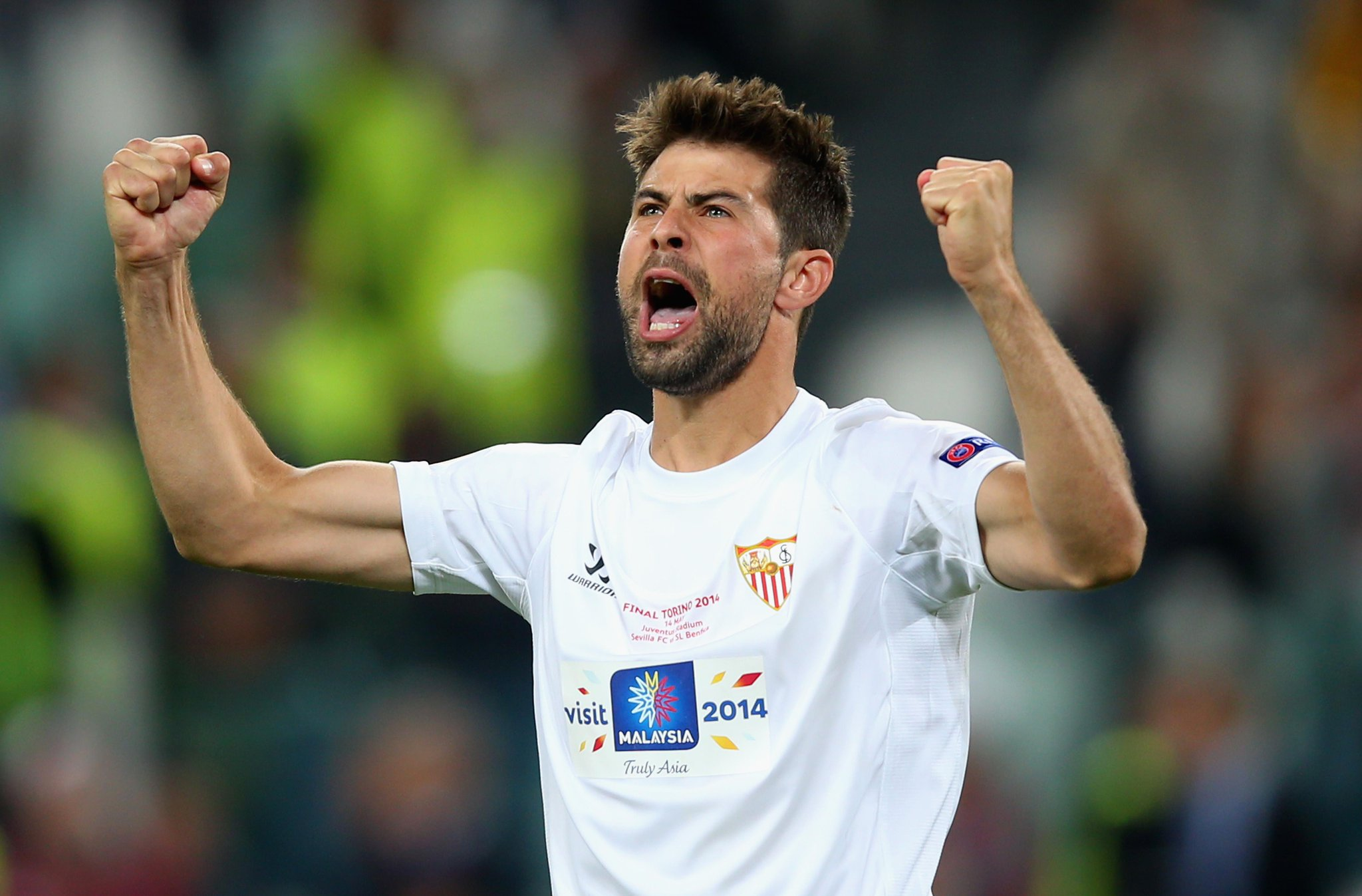 """Coke, @SevillaFC_ENG: """"We wanted to qualify for the #UCL & we did. We dream and the sky is the limit..."""" #SuperCup http://t.co/2EYWh0q0h6"""