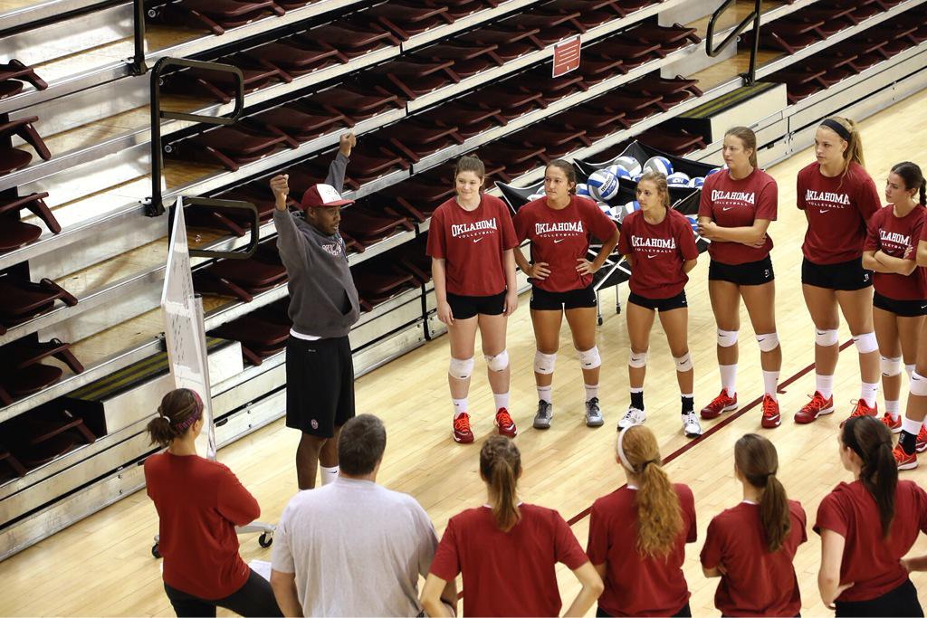 The 2015 Sooners have arrived. First practice of the season underway at McCasland! #OUVB http://t.co/2efsugCbea