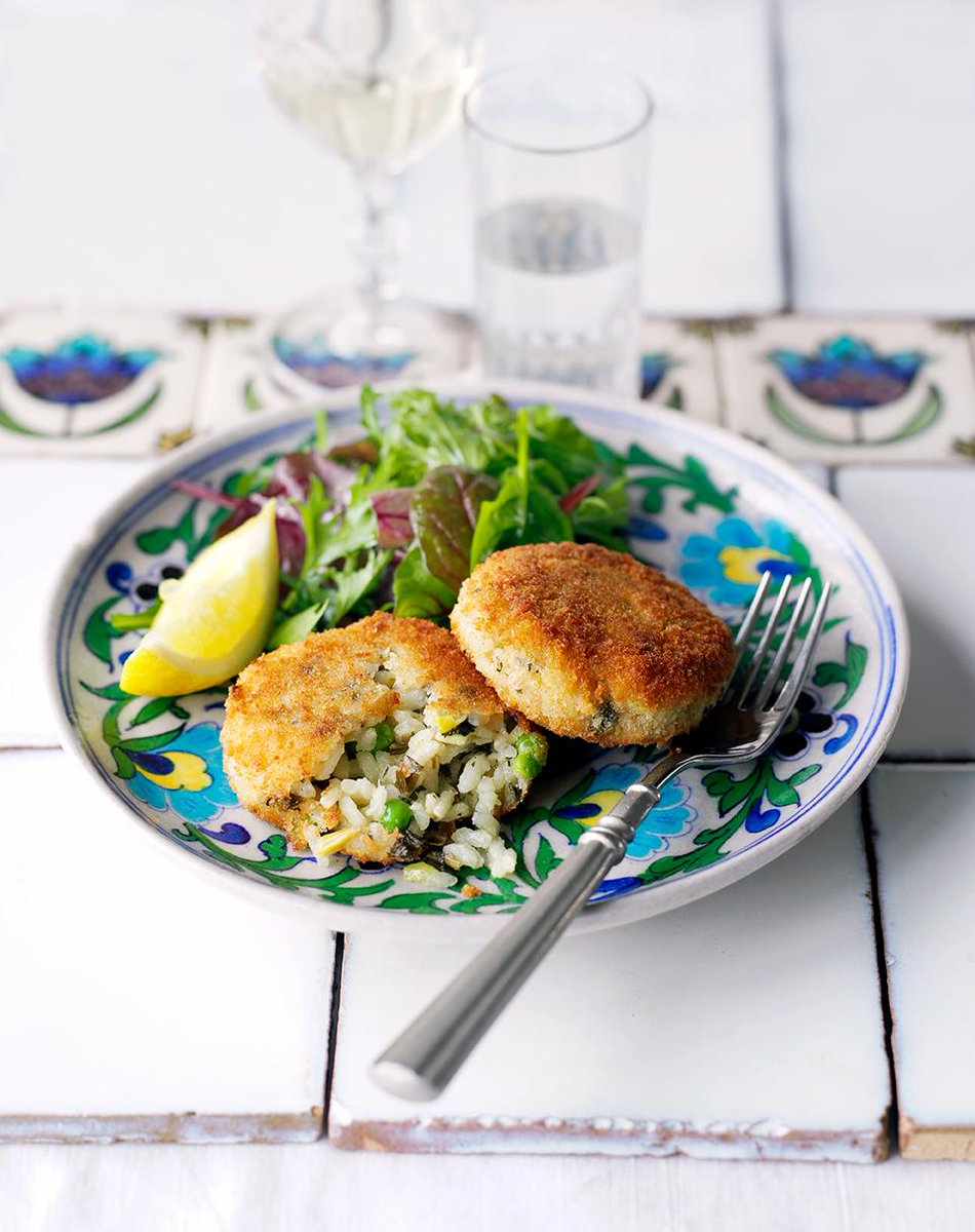 RT @JamieMagazine: Easy peasy supper recipe for #MeatFreeMonday - whip up these pea, basil & mint arancini cakes http://t.co/BCi93HTCkr htt…