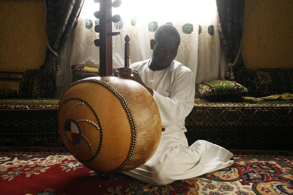 Happy Birthday to Toumani Diabaté! http://t.co/Lgfm2f5Dd5