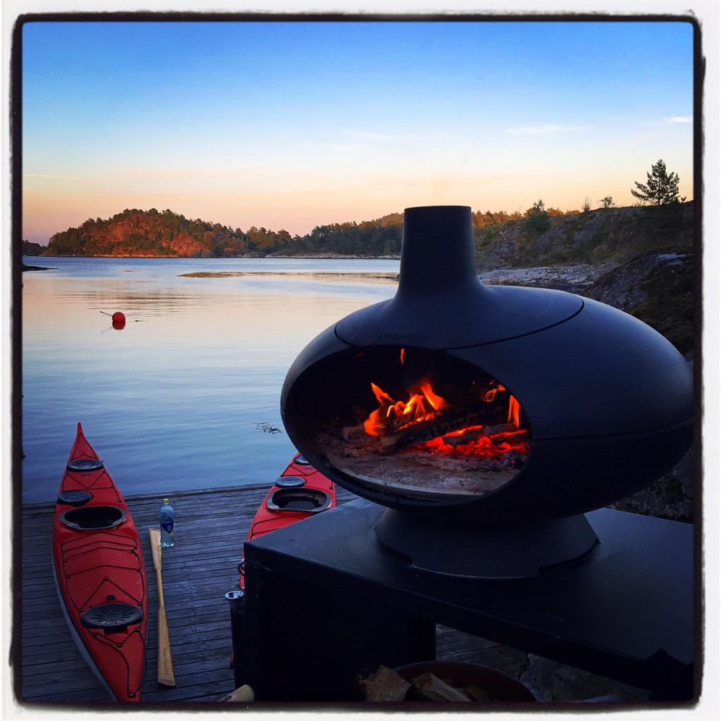.@morstoves Thx for beautiful evenings and fantastic pizzas this summer! http://t.co/1yAhclu3RK