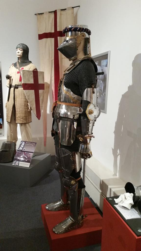 If Lord Flasheart had been in S1 of Blackadder. Woof! @worcestermuseum http://t.co/i1Z3PIVUi6