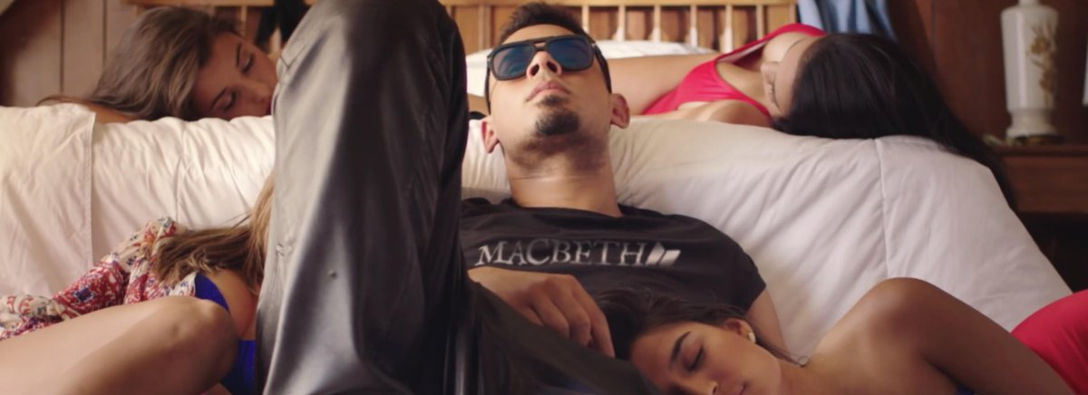 Looks like @djafrojack woke up on the right side of the bed #Macbeth http://t.co/SktDSHt6F8