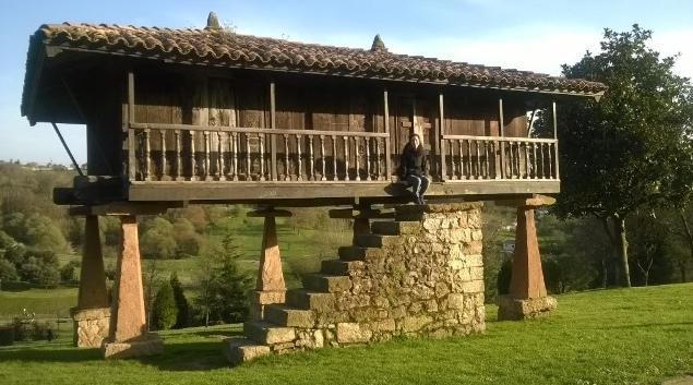 La bloguera @trip2happiness nos ha retado a identificar esta construcción tradicional asturiana. ¿Tú ya sabes qué es? http://t.co/dGLlhesodM