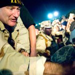 RT @the_USO: Remembering #RobinWilliams today & all of the laughter he brought to troops on @the_USO tours: http://t.co/reEyUp6CJt http://t…
