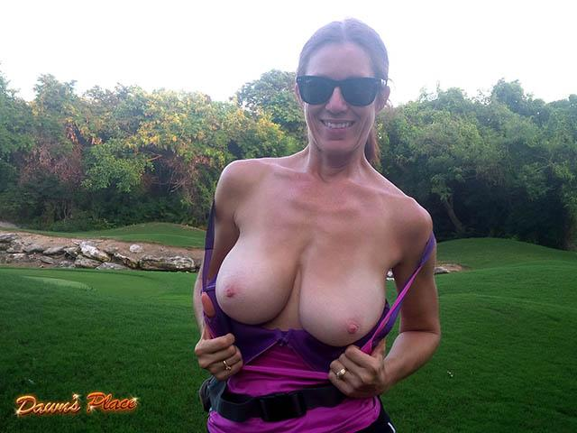 Who's up for a quick round? Try for a hole in one? Pls RT #flashing #bigboobs #naturaltits #tittytuesday