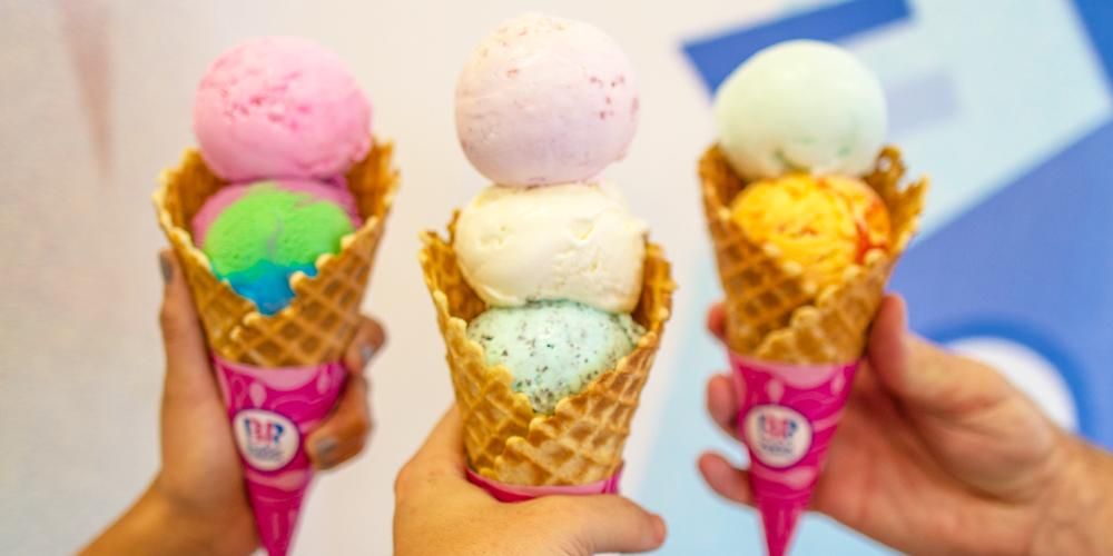 Waffle cones hold more ice cream. 'nuff said. http://t.co/CqqkxvDd8x