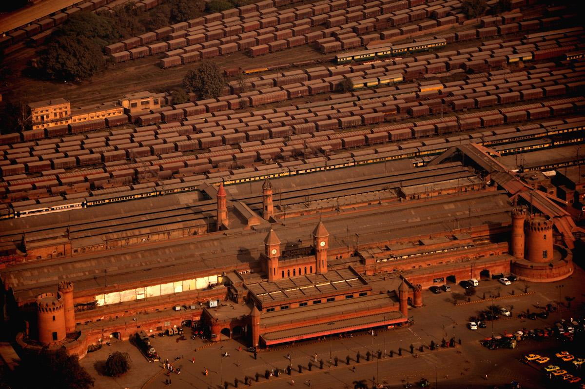 Bet you haven't seen #Lahore Railway Station from this angle before (Photo by Muhammad Raza Jalil) http://t.co/bek2yMx6RX