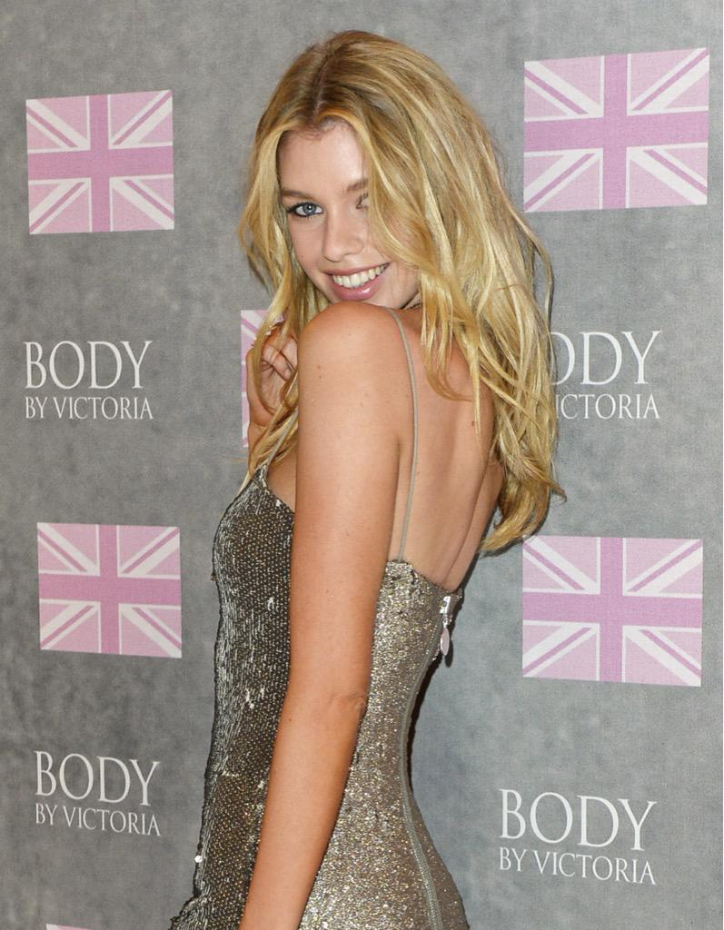 ???????? Stella Maxwell celebrating the new Body By Victoria collection. #OnlyAtVS #TheNewestAngels http://t.co/U7zMfRRbUs