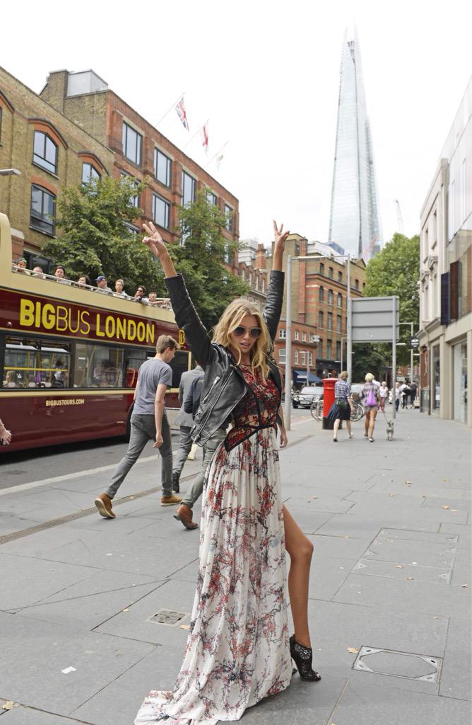 Angel on-the-go ???? ???????? #TouringLondon #NBD #TheNewestAngels http://t.co/i91nqKARoP