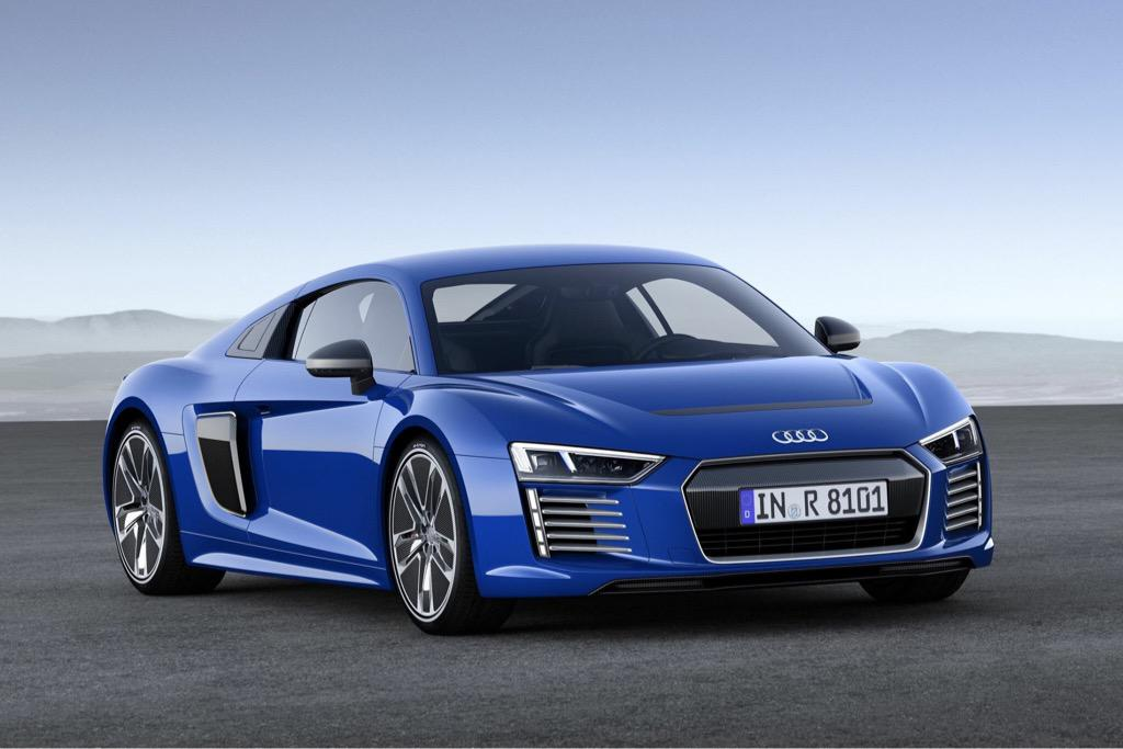 Coming to the 2015 Concept Lawn: 2017 Audi R8. #PebbleConcours #ConceptLawn #Audi @Audi http://t.co/GaIRzh24Db