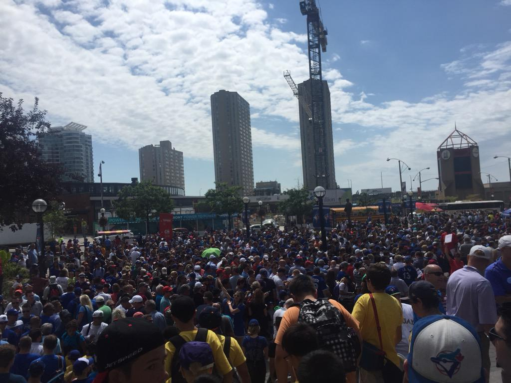 "Sold out Blue Jays game starts now. It won't look full. Cause this is what the gate 6 security ""line"" looks like http://t.co/syrmDCjPnt"